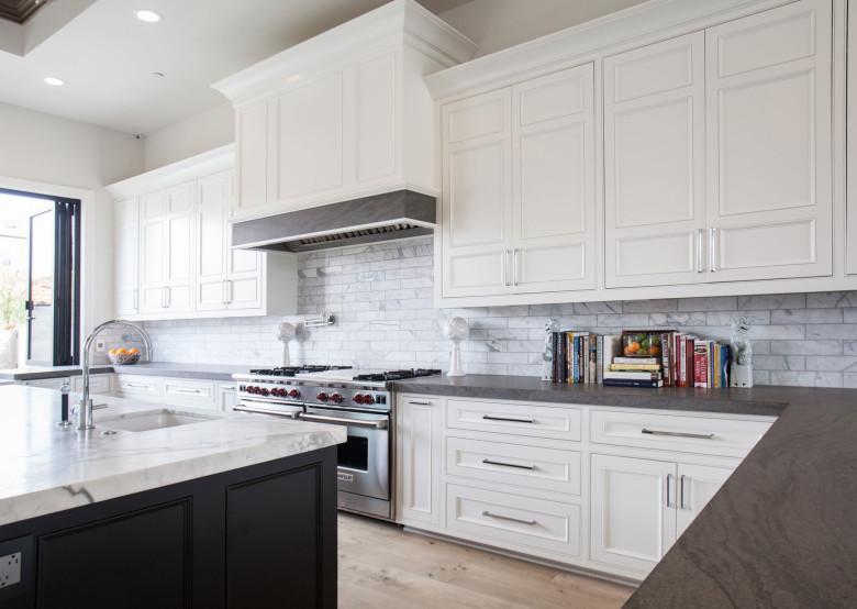 Beautiful Kitchen Design in Holmwood