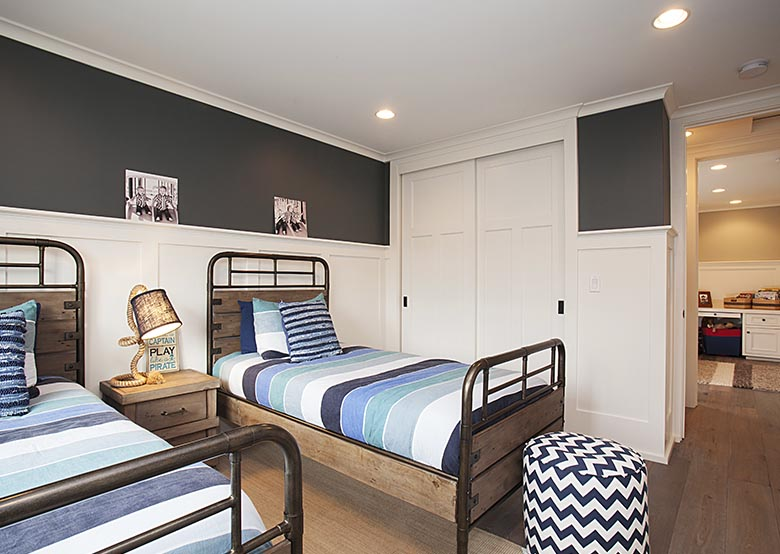 Room design with single bed